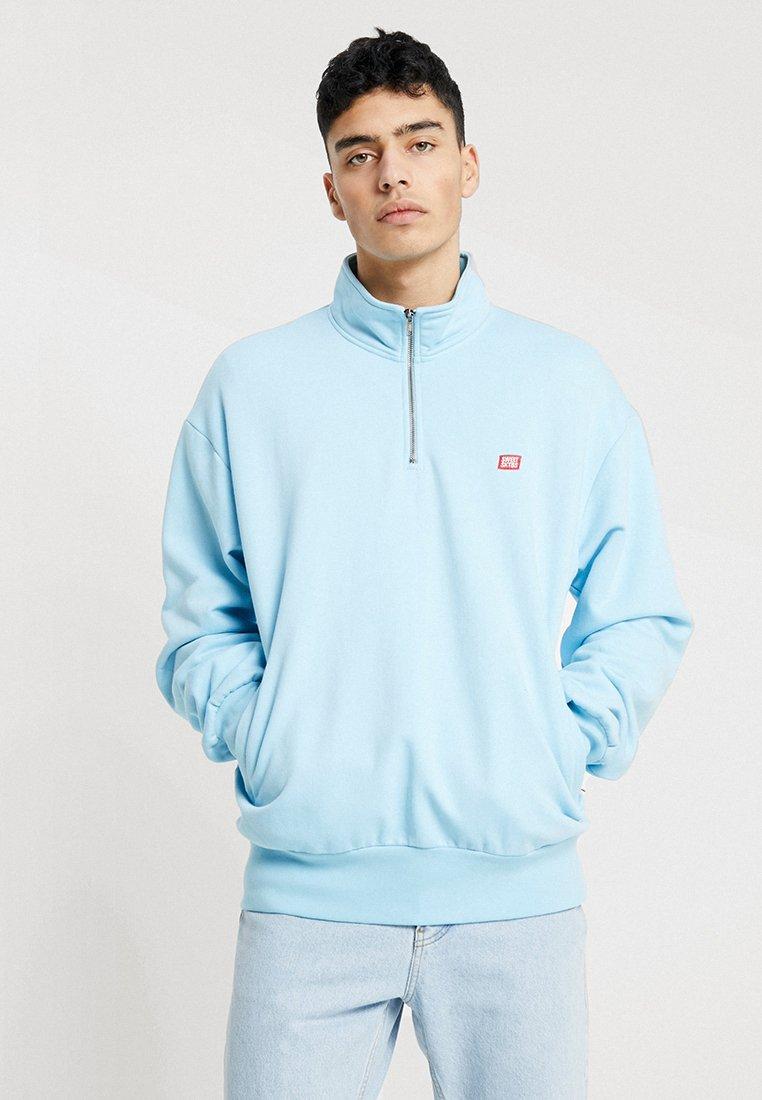 Sweet SKTBS - 90S LOOSE TURTLE - Sweatshirt - light blue