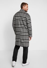 Sweet SKTBS - COAT SWEET WINTER - Classic coat - black/grey - 2