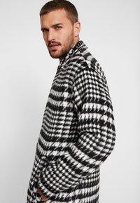 Sweet SKTBS - COAT SWEET WINTER - Classic coat - black/grey - 4