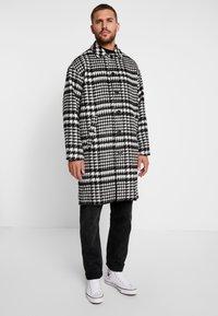 Sweet SKTBS - COAT SWEET WINTER - Classic coat - black/grey - 0