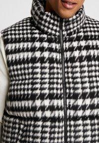 Sweet SKTBS - VEST CITY PADDED - Waistcoat - black/grey - 5