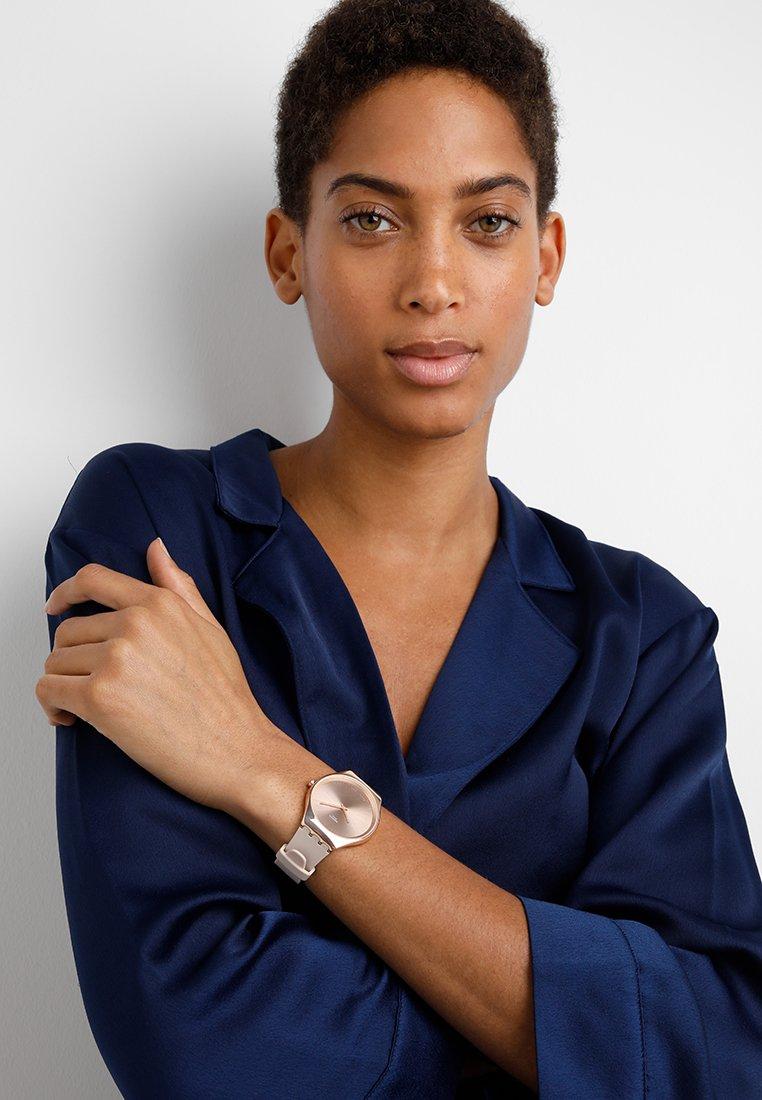 Swatch - SKINROSE - Horloge - rose