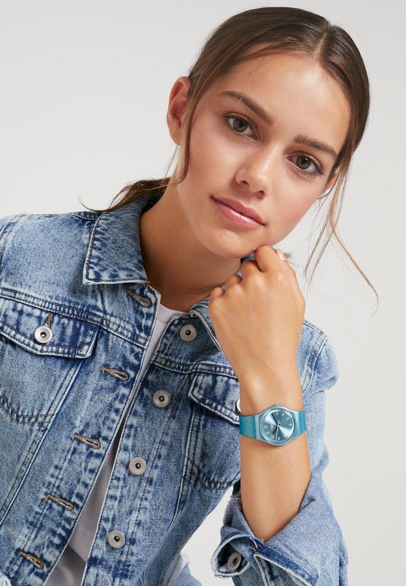 Swatch - SO BLUE - Montre - türkis