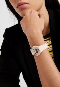 Swatch - CARLITO - Uhr - beige - 0