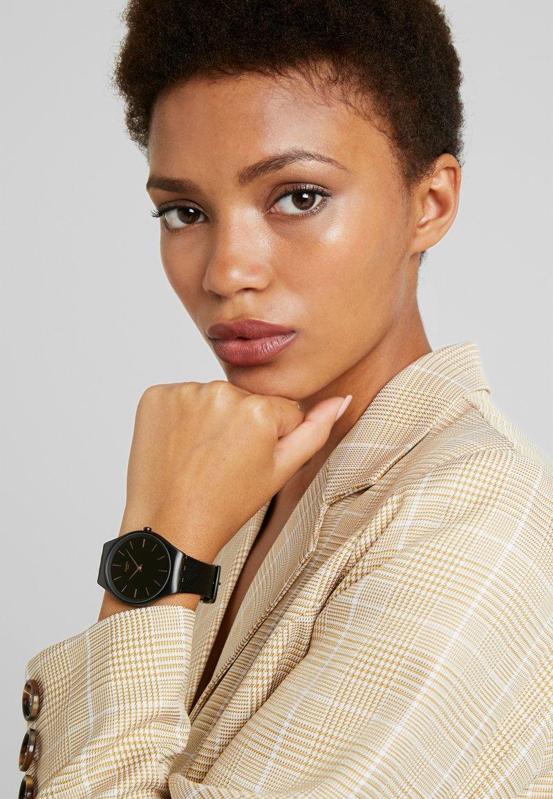 Swatch - SKIN NOTTE - Horloge - schwarz