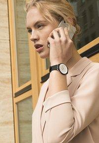 Swatch - SKINNOIR - Horloge - black - 1