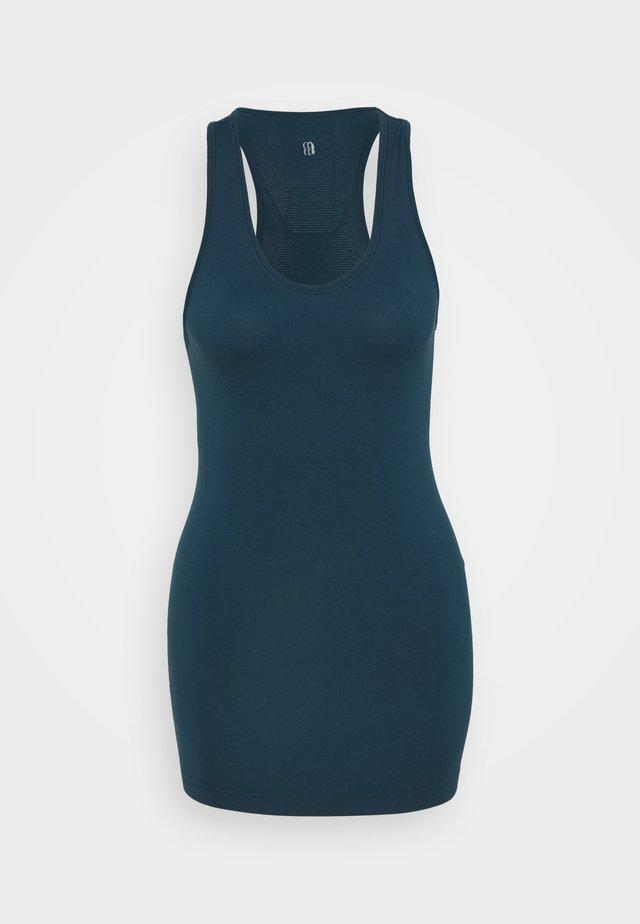 ATHLETE SEAMLESS WORKOUT - Treningsskjorter - beetle blue