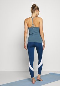 Sweaty Betty - NAMASTE SEAMLESS YOGA - Top - stellar blue