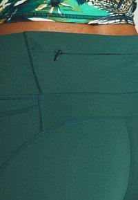 Sweaty Betty - POWER SCULPT 7/8 WORKOUT LEGGINGS - Tights - june bug green - 4