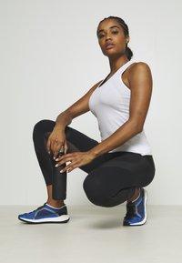 Sweaty Betty - POWER SCULPT WORKOUT LEGGINGS - Legging - black - 1