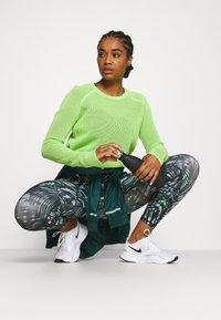 Sweaty Betty - IDOL JUMPER - Sweater - green alert - 1