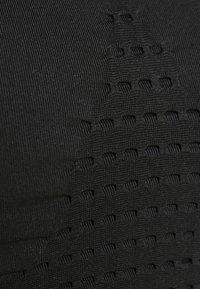 Sweaty Betty - STAMINA BRA - Sport BH - black - 3