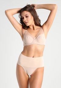 Spanx - UNDIE TECTABLE THONG - Shapewear - haut - 1
