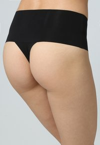 Spanx - UNDIE TECTABLE THONG - Shapewear - black - 1