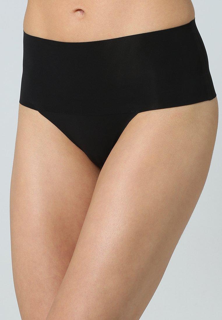 Spanx - UNDIE TECTABLE THONG - Stahovací prádlo - black