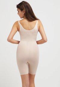 Spanx - THINSTINCTS  - Body - soft nude - 2