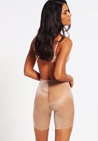 Spanx - SKINNY BRITCHES  - Shapewear - natural - 2