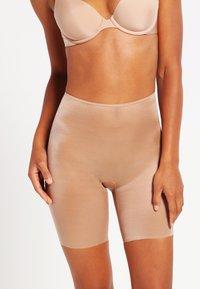 Spanx - SKINNY BRITCHES  - Shapewear - natural - 0