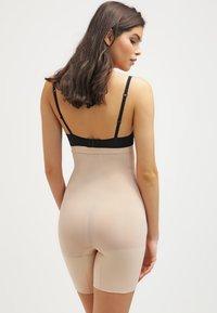Spanx - HIGHER POWER - Lingerie sculptante - soft  nude - 2