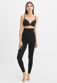 Spanx - HIGH WAISTED LOOK AT ME  - Leggings - very black - 1