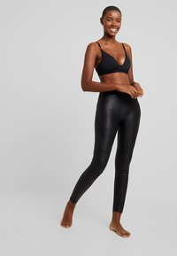 Spanx - QUILTED - Leggings - very black - 1