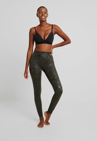 Spanx - Leggings - mate green - 1