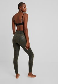 Spanx - Leggings - mate green - 2