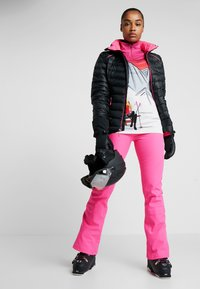 Spyder - STRUTT - Spodnie narciarskie - bryte bubblegum - 1