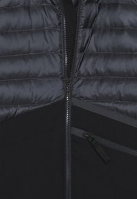 Spyder - BOYS DYLAN - Lyžařská bunda - black - 4