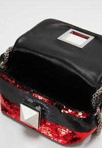 Sonia Rykiel - COPAIN LE COPAIN - Across body bag - black/red - 4