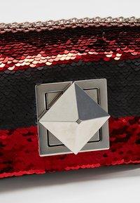Sonia Rykiel - COPAIN LE COPAIN - Across body bag - black/red - 6