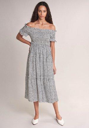 LOVELAND - Day dress - weiß