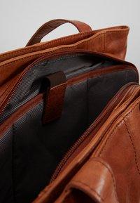 Spikes & Sparrow - Briefcase - brandy - 4