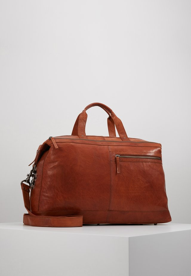 Weekend bag - brandy
