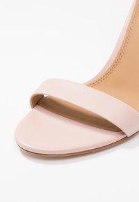 Tory Burch - ELLIE ANKLE STRAP - Sandály na vysokém podpatku - sea shell pink - 2