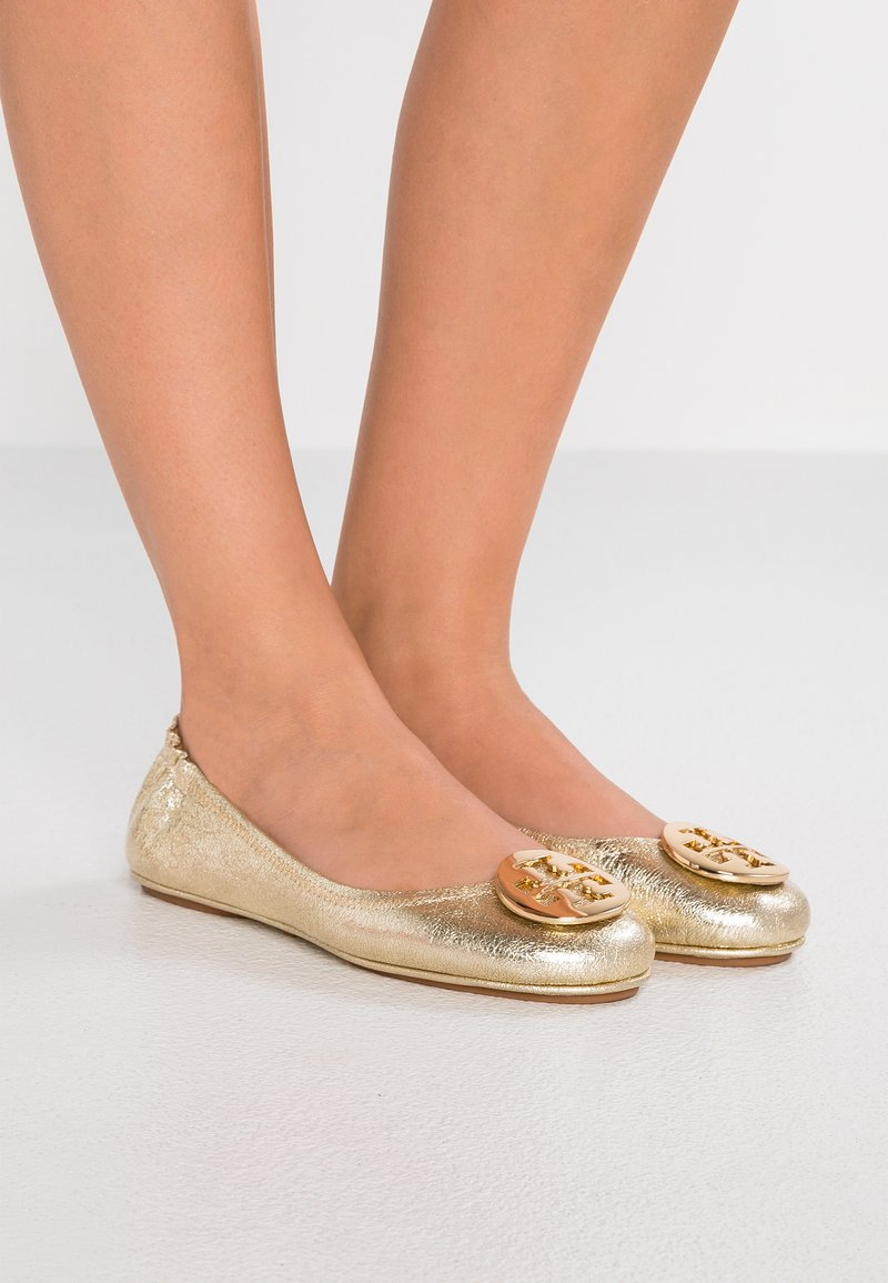 Tory Burch - MINNIE TRAVEL BALLET  - Ballet pumps - spark gold