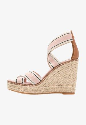 FRIEDA - Sandalen met hoge hak - blush/tan