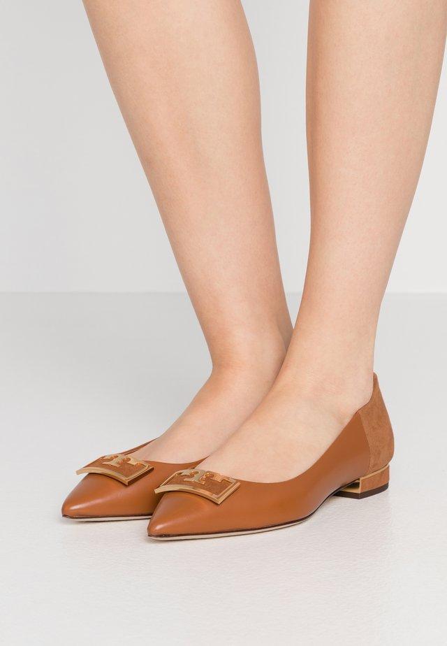 GIGI POINTY TOE FLAT - Ballet pumps - ambra