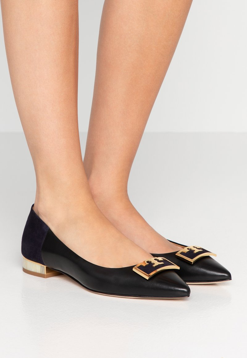Tory Burch - GIGI POINTY TOE FLAT - Ballerina - perfect black/midnight