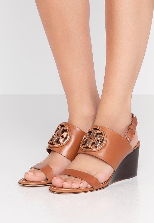 METAL MILLER WEDGE - Sandaletter med kilklack - tan/rose gold