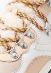 Tory Burch - GEMINI LINK PLATFORM HIKING - Sneaker high - dulce de leche/new moon