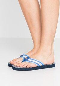 Tory Burch - GEMINI LINK THIN  - T-bar sandals - blue - 0