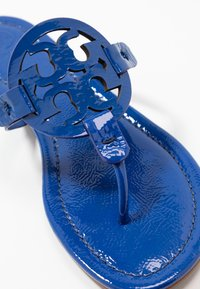 Tory Burch - MILLER - T-bar sandals - nautical blue - 2