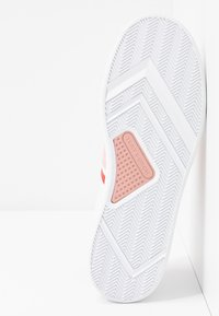 Tory Burch - VALLEY FORGE SADDLE  - Sneakers basse - titanium white/sport lipstick/light pink - 6
