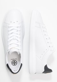 Tory Burch - VALLEY FORGE  - Sneakers laag - titanium white/tory navy - 3