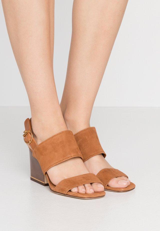 SELBY BLOCK HEEL - Sandaler - ambra