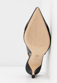 Tory Burch - PENELOPE CAP TOE SLINGBACK - Escarpins - perfect black - 6
