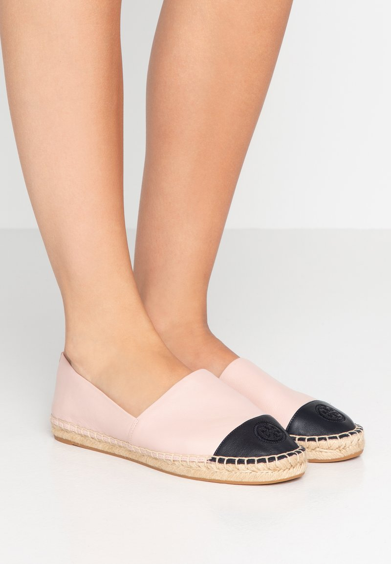 Tory Burch - FLAT - Loafers - sea shell pink/perfect navy