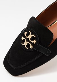 Tory Burch - METAL MILLER LOAFER - Nazouvací boty - perfect black/gold - 2