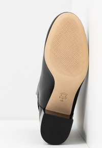 Tory Burch - KIRA BOOTIE - Bottines - perfect black - 6